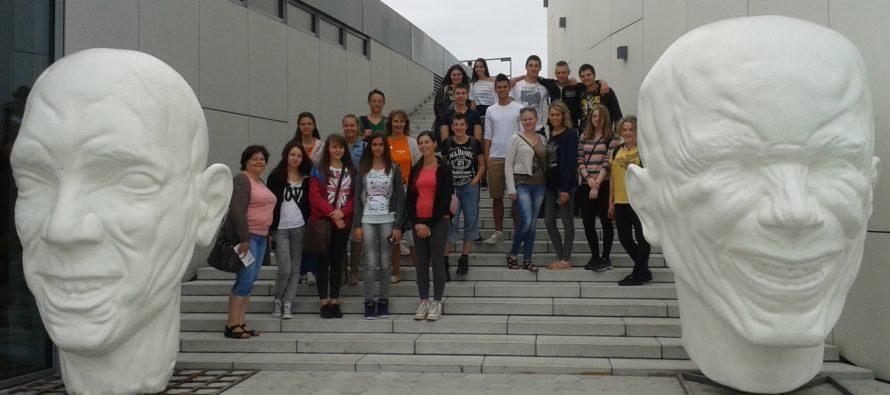 Letná škola priemyselného dizajnu a Letná škola informatiky
