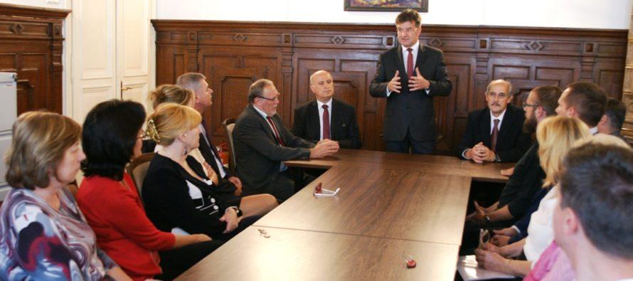 Jána Varša aj oficiálne uviedli do funkcie predsedu ÚSŽZ