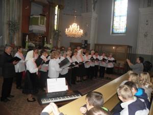 Jubilujúci zbor zaspieval päť piesní