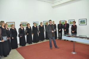 Záber z vernisáže výstavy Štefana Pavelku v Petrovci