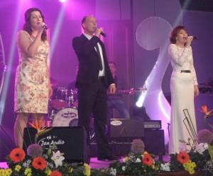 Trio (zľava) Tatiana, Ivan a Mária vyspievalo 2. cenu Miline Sklabinskej