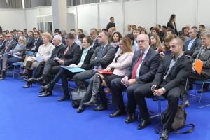 Účastníci konferencie o energetickej účinnosti vo verejnom a súkromnom úseku