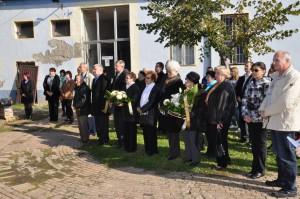 Pietna spomienka na popravených mladíkov na nádvorí SVD