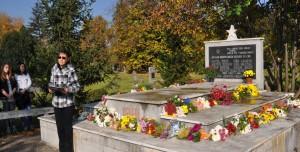 Verše Paľa Bohuša rozcítili prítomných na partizánskom cintoríne