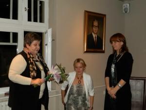 Predsedníčka MSS a podpredsedníčka NRSNM Katarína Melegová-Melichová zablahoželala a pridala kyticu kvetov