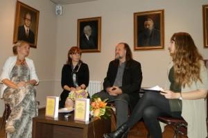 Novú knihu predstavili: Katarína Mosnáková-Bagľašová (zľava), autorka Gabriela Gubová-Červená, Vladimír Valentík a Anna Margaréta Valentová