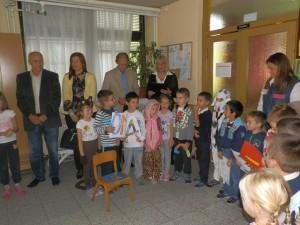 Hostia v pazovskej PU Poletarac si so záujmom pozreli detský program