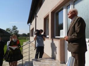 Kurátor Ján Syrácky z Dobanoviec pri novom cirkevno-zborovom dome