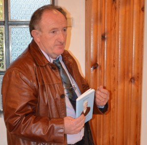 Zostavovateľ publikácie Vladimír Hudec