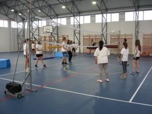 Telocvičňa, skôr moderná športová hala poskytuje možnosti na všestranné zaoberanie sa športom