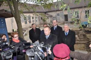Z tlačovej besedy pokrajinského premiéra s novinármi