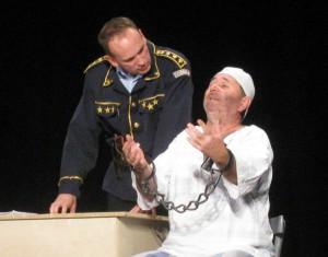 Záber z predstavenia Policajti