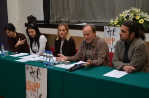 Ivica Klemenc (druhý sprava) s predstaviteľmi departementov Akadémie umení