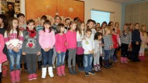 Časť účastníkov tohtoročnej Detskej svadby na Mikulášskej oslave