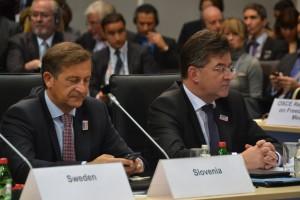 Slovenský vicepremiér a šéf diplomacie Miroslav Lajčák (vpravo)