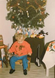 """Kým spomienky na niekdajšie Vianoce majú 60 a aj trochu viac rokov, tieto vianočné fotky z rodinného albumu sú """"len"""" 24-ročné..."""