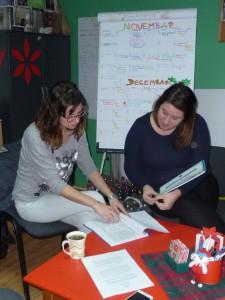 Elizabet Novaková (vľavo) a Kristína Dostanová o projektoch kancelárie