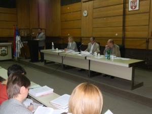 Počas príhovoru predsedu Radinovića