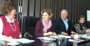 Podpisovanie charty o rodovej rovnosti v Obci B. Petrovec: (zľava) K. Zorňanová, Rozeta Aleksov, Pavel Marčok a Katarína Melegová - Melichová