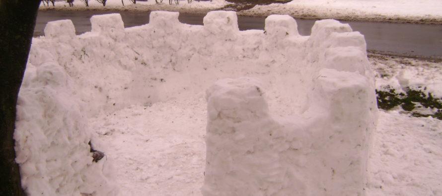 Snehový hrad v Starej Pazove