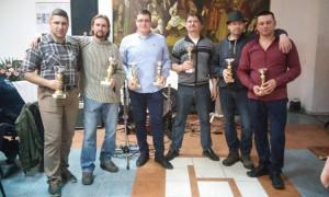 Víťazi tohtoročnej vinariády ( z ľava) Ivan Pleva, Janko Jánošík, Jano Hrubík, Pavel Viliačik, Zdeno Goda a Pavel Labát