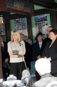 Výstavu v Galérii Babka slávnostne otvorila Jardanka Joksimovićová, ministerka bez kresla vo Vláde Srbska poverená európskou integráciou