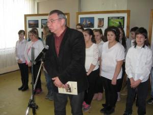 Známy herec Milenko Pavlov prítomných pozdravil vo viactich jazykoch