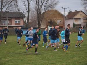 Futbalisti Kysáčanov na prvom tréningu