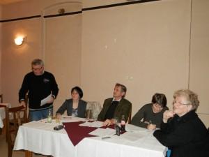 Ondrej Zahorec (zľava) podal finančnú správu (Foto: A. Francistyová)