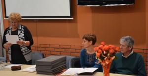 K 55. výročiu po prvýkrát diplomy v troch jazykoch