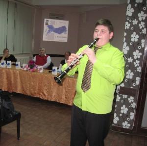 Hrou na klarinete tento literárny večierok spestril aj básnikov syn Mário