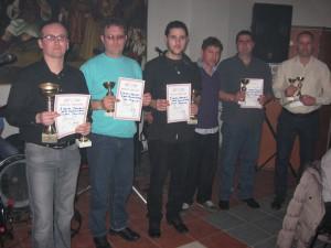Víťazi: (z ľava)Juraj Jánošík, Ján Bagľaš, Janko Zelenák, Jaroslav Zahorec a Vladimír Ábelovský s predsedom združenia Jaroslavom Bartošom (tretí z prava)
