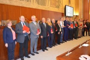 Odmenení predstavitelia inštitúcií a ustanovizní s riaditeľkou ústavu Biljanou Panjkovićovou (prvá zľava)