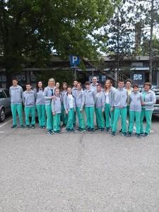 Na snímke: mladí športovci z Kovačickej obce dnes pred odchodom do Vranja na školské olympijské hry