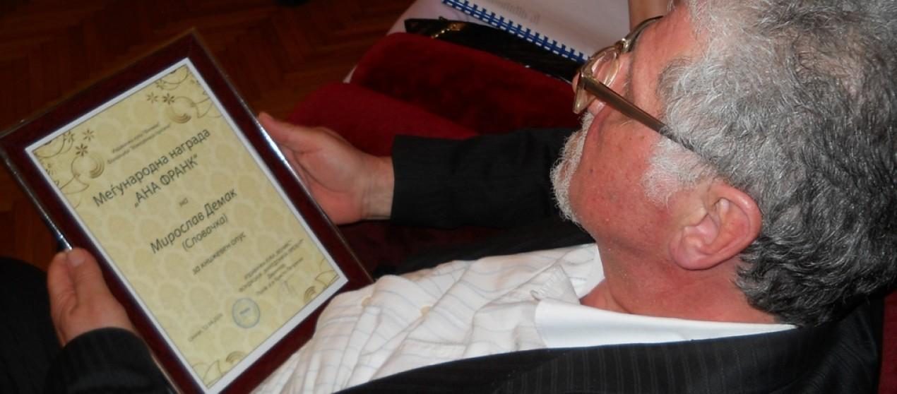 Miroslavovi Demákovi literárna cena Anny Frankovej