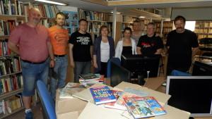 Tri krabice detských kníh do Kovačice zaslala Knižnica Ružinov s vedúcou Dr. Darínou Horákovou