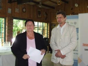 Slovenská veľvyslankyňa Dagmar Repčeková počas prednášky (vedľa stojí tlmočník Pavel Matúch) (Foto: V. Dorčová-Valtnerová)