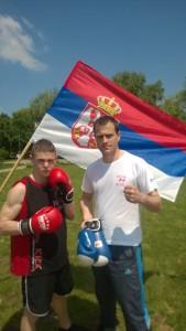 Marek so svojím trénerom Nikolom (Foto: FB stránka Fire KICK)
