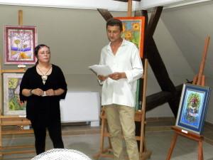 Autorka výstavy Vesna Chrťanová a Pavel Matúch, novinár