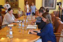Veľvyslankyňa Dagmar Repčeková u predsedu pokrajinskej vlády