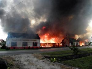 Požiar v Kovačici (Foto: S. Lenhart)
