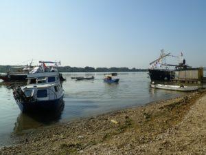 Štart riečnej ekologickej karavány 2016 z pobrežia pláže Venecija