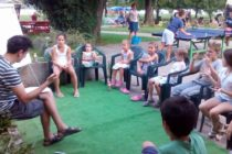 Slovenský jazyk aj Pod korunami stromov na Štrande