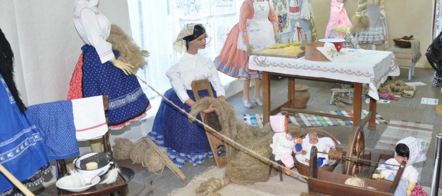 Práce v minulosti v našich osadách na úvod SNS