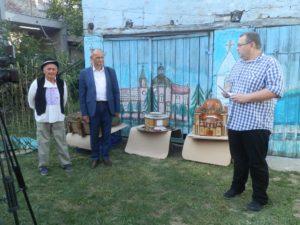 Z otvorenia výstavy: Ján Maglovský, Stevan Śuša a Željko Čapeľa,predseda dobanovského spolku Šafárik ako moderator programu