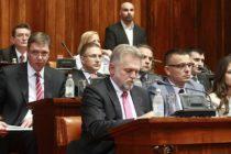 Srbsko má aj oficiálne novú vládu