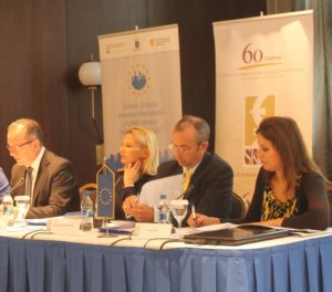 Z jednej z belehradských konferencii o pomoci únie lokálnym samosprávam