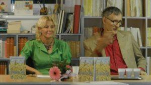 Autorka knihy Mirjana Debeljaková Kostićová arecenzent Slobodan Blažov Ďurović