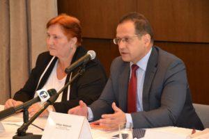 Námestník ministra Viktor Nedović a veľvyslankyňa SR v Belehrade Dagmar Repčeková