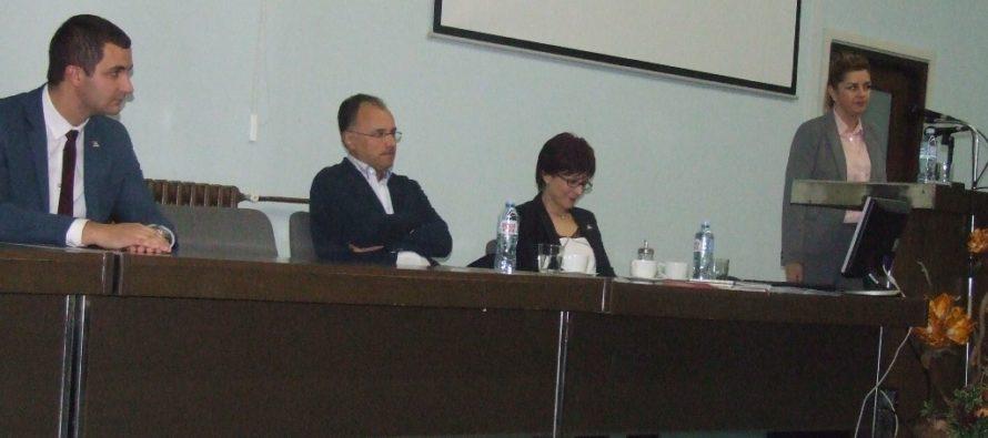 MESIAC BOJA PROTI RAKOVINE: Prednáška o rakovine prsníka v Petrovci